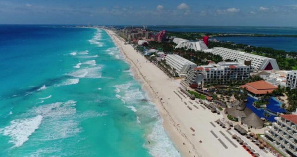 Reactivación turística en Cancún: aumenta 12 rutas aéreas