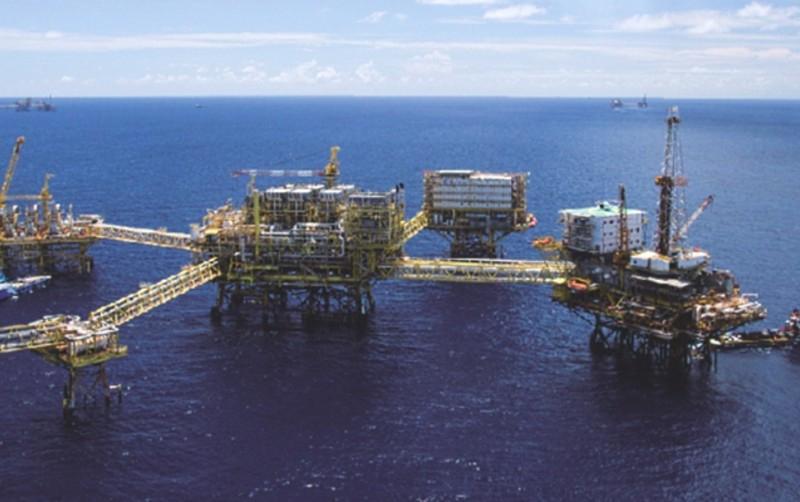 Efecto cambiario y precios disminuirían ingresos petroleros: BBVA