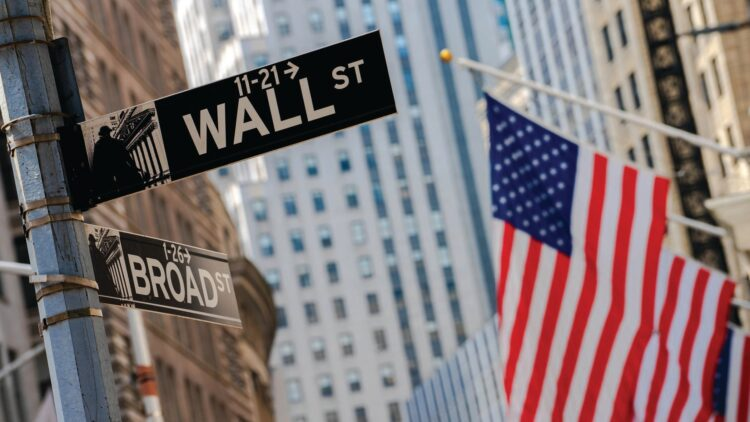 Wall Street, en tonos mixtos por dudas sobre préstamos a empresas