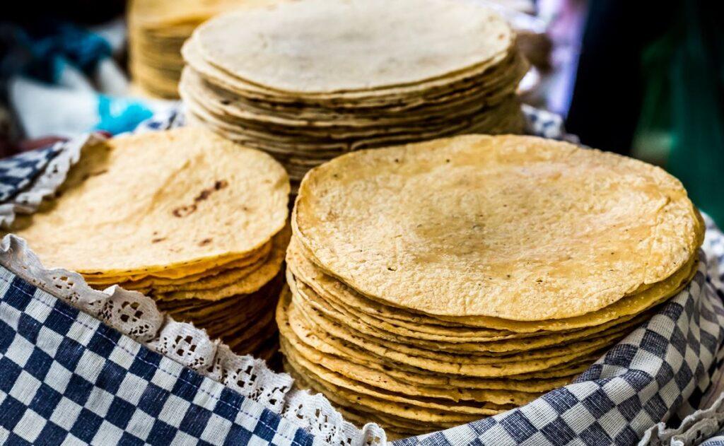 La tortilla no aumentará de precio en enero: AMLO