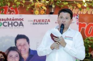 En la foto, Cuauhtémoc Ochoa, diputado federal por Hidalgo
